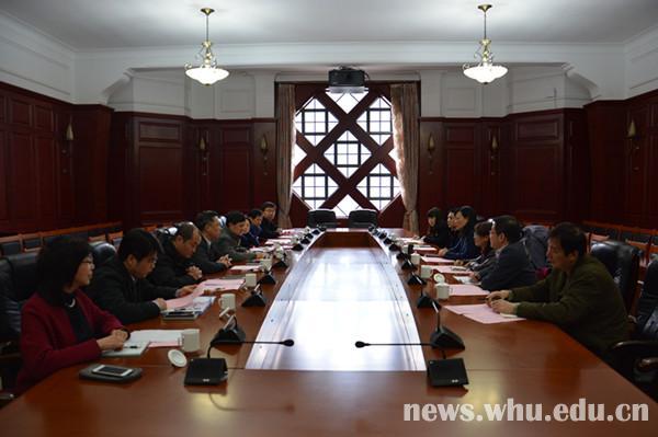 中南大学来校调研学位与研究生教育工作